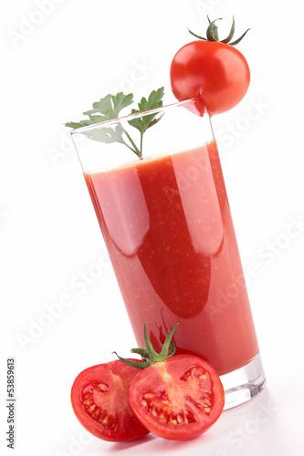 izolowany-sok-pomidorowy