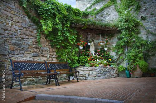 religijna-swiatynia-w-assisi-tuscany-wlochy