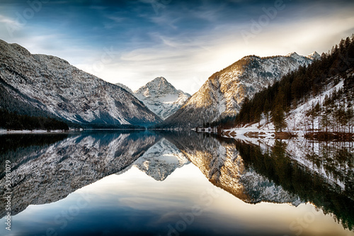 In de dag Alpen Reflection at Plansee (Plan Lake), Alps, Austria