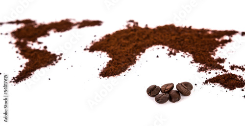 Tuinposter koffiebar World map made of coffee on white background