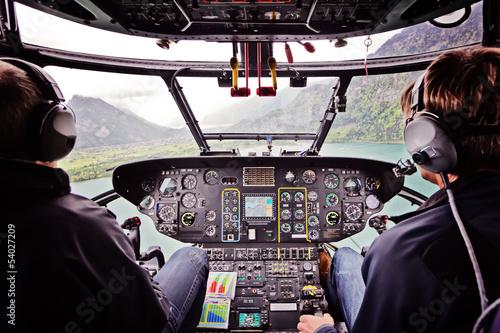Türaufkleber Hubschrauber Hubschrauberflug in Cockpitansicht