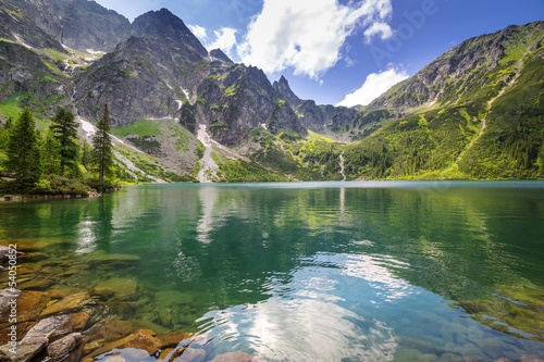 Poster Bergen Beautiful scenery of Tatra mountains and lake in Poland