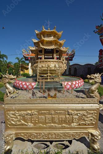 Foto op Plexiglas Artistiek mon. Naja statue of Chinese shrine temple, Chonburi, Thailand