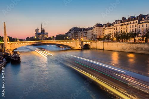 City on the water Pont de la Tournelle