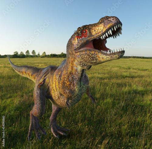 t-rex-na-trawie