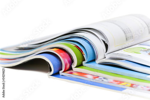 Fotografía  Revistas de color aislados en el fondo blanco
