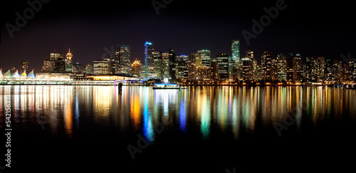 Fotografía  Vancouver Skyline at Night
