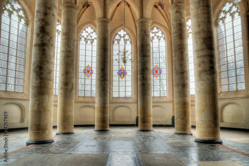 La pose en embrasure Edifice religieux church interior