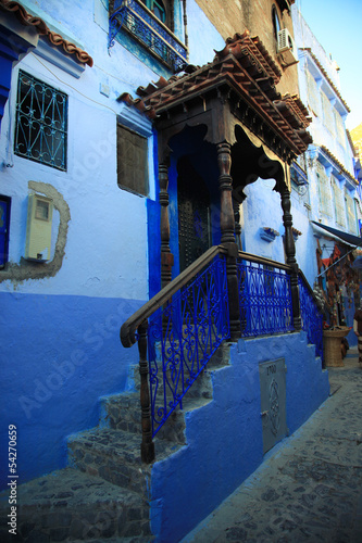Deurstickers Marokko Moroccan gate of the house, blue town Chefchaouen, Morocco