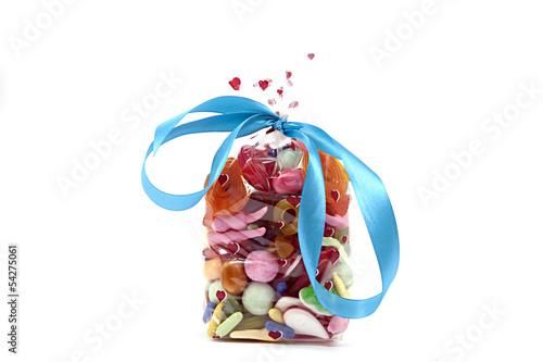 Keuken foto achterwand Snoepjes Süßigkeiten in einer Tüte auf weiß isoliert