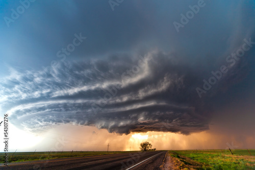Fotografie, Obraz  Severe thunderstorm in the Great Plains