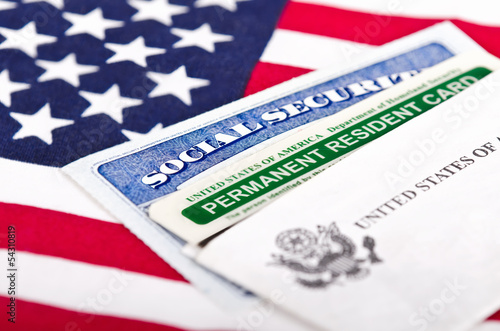 Valokuva  Social security and permanent resident card