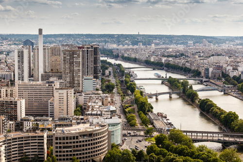 Aluminium Prints Paris Aerial View on River Seine and Pont de Bir-Hakeim from the Eiffe