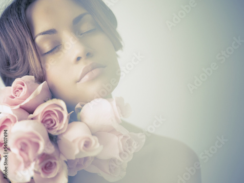 Fotografie, Obraz  Charming lady with roses