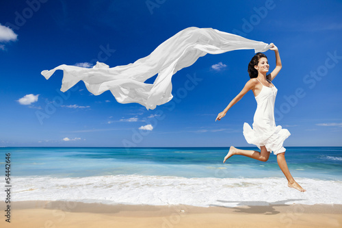 Jumping with a white tissue Fototapet