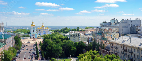 Deurstickers Kiev Panoramik view on St. Michael's Golden Domed Monastery