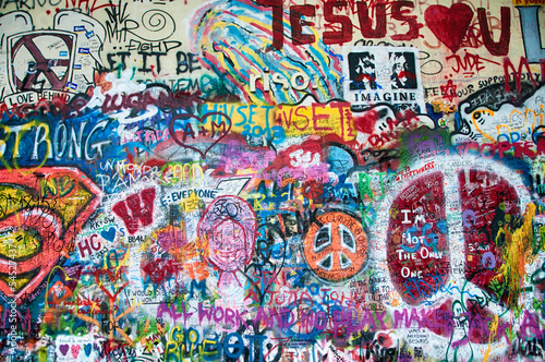 Foto auf Leinwand Graffiti Colorful John Lennon wall in Prague