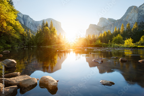 Spoed Foto op Canvas Grijze traf. Yosemite valley