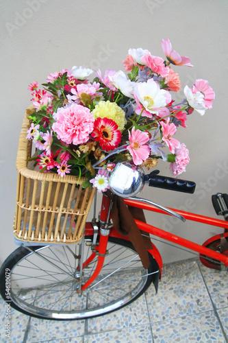 Türaufkleber Fahrrad flowers in bicycle basket