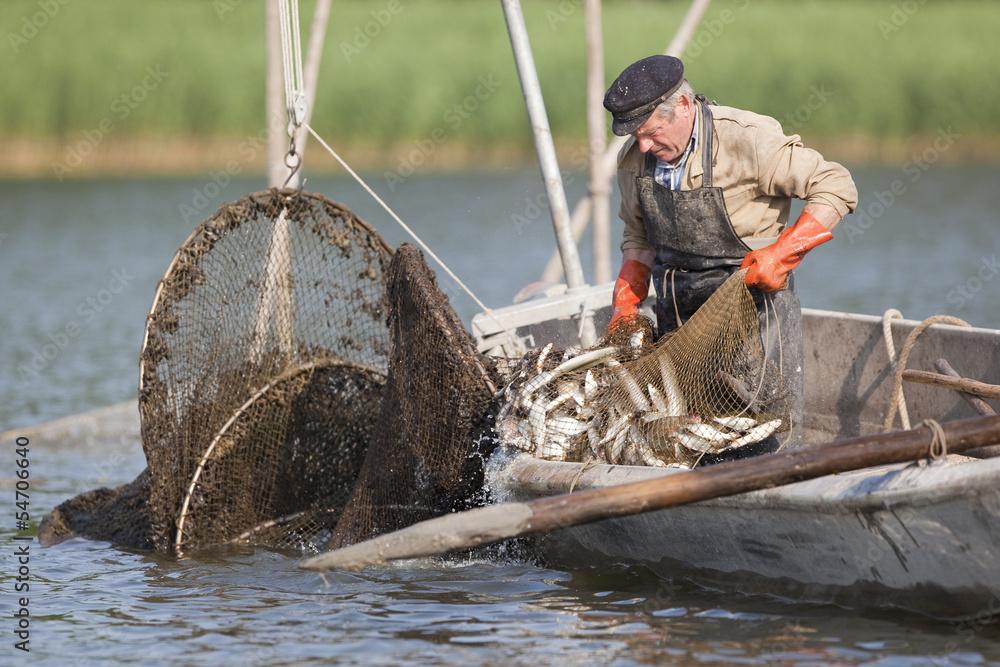 Fototapety, obrazy: Fischer bei der Arbeit