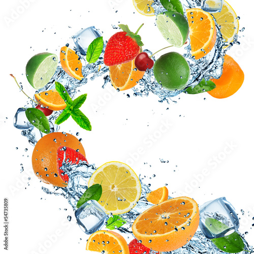 Poster Eclaboussures d eau Fruit with splashing water