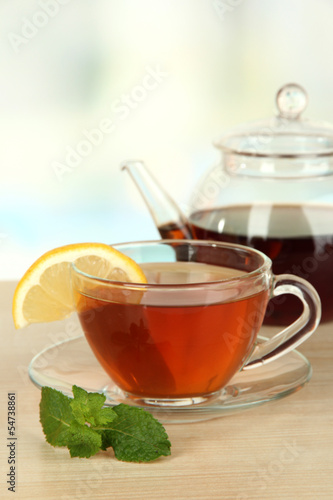 Stickers pour porte The Cup of tea with lemon on table on light background