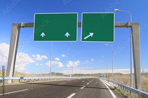Pinturas sobre lienzo  Blank road sign on highway