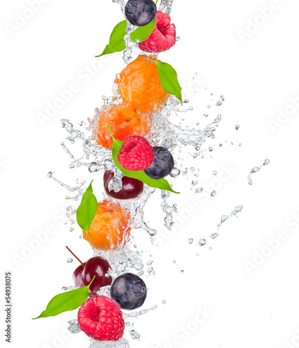 Deurstickers Vruchten Fresh fruit in water splash