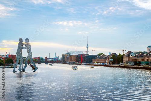 Keuken foto achterwand Berlijn Berlin, germany, Molecule men with Tv tower in Berlin