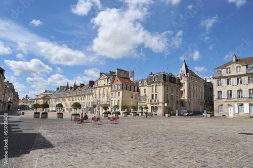 Valokuvatapetti Place Saint-Sauveur 2 (en triangle), Caen