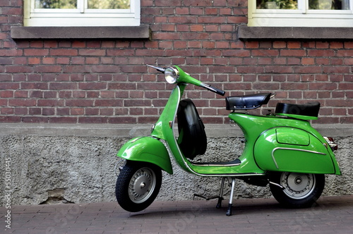 Photo Stands Scooter Vespa 150vbb px grün