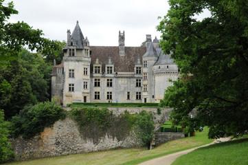 Fototapeta na wymiar Perigord, the picturesque castle of Fayrac in Dordogne