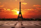 Fototapeta Fototapety z wieżą Eiffla - la tour Eiffel dal Trocadero all'alba