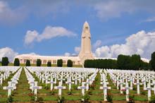 Ossuaire De Douaumont In Verdu...