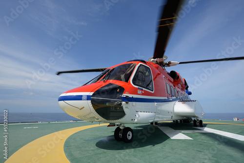 Türaufkleber Hubschrauber helicopter park on oil rig