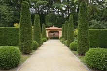 Path In Italian Formal Garden ...