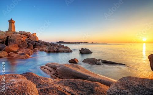 Obraz Wybrzeże Pors-Kamor o zmierzchu, St-Guirec - fototapety do salonu