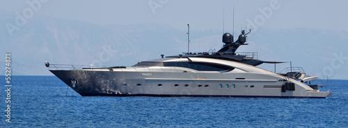 Luxuriöse Motoryacht am Meer Poster Mural XXL