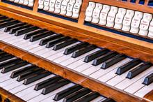 2207 Orgel