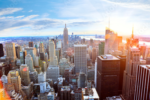 Montage in der Fensternische New York Aerial view of Manhattan skyline at sunset, New York City