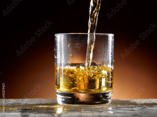 Photo bicchiere di whisky