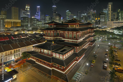 Photo  Chinese Temple in Singapore Chinatown at Night