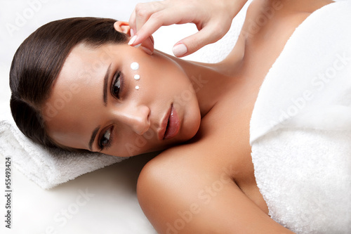 Poster  Spa Woman. Close-up of a Young Woman Getting Spa Treatment. Cosm