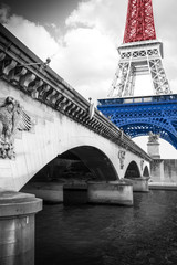 FototapetaTour Eiffel tricolore