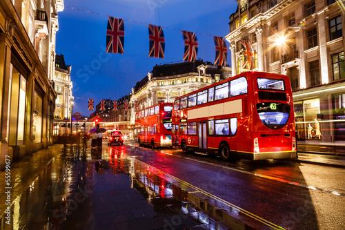 Türaufkleber London roten bus City of London Skyline At Sunset