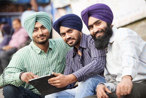Photo  Young adult indian sikh men