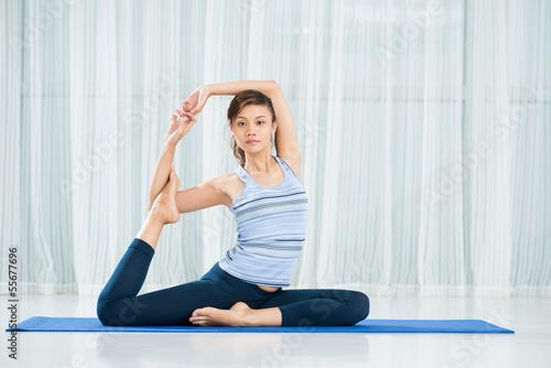 Fototapeta Yoga pose obraz na płótnie