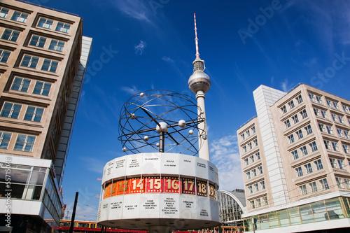 Photo The Worldtime Clock, Alexanderplatz. Berlin, Germany