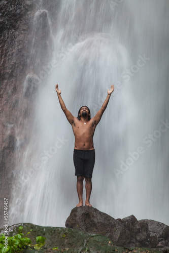 Fototapety, obrazy: Man at waterfall