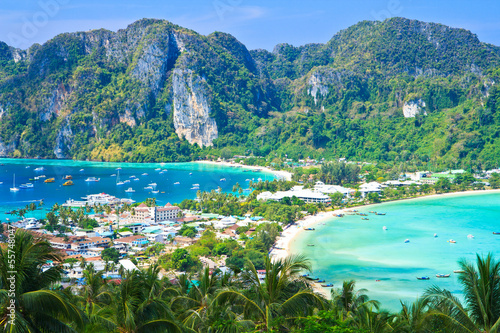 Photo  View point at Phi-Phi island in Krabi province of Thailand